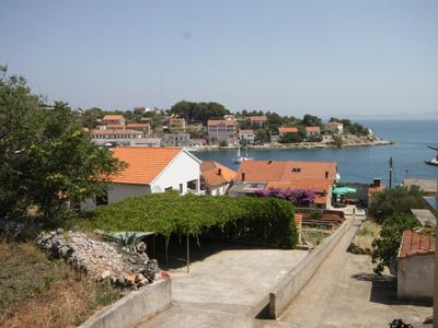 Photo for One bedroom apartment with terrace and sea view Sali, Dugi otok (A-454-d)