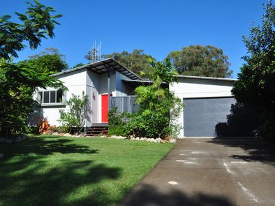 Photo for 10 Double Island Drive - Modern family home, centrally located, swimming pool & outdoor area
