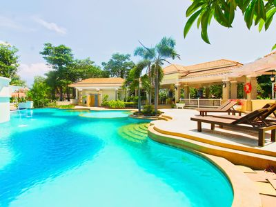 Photo for 5 beds Villa with pool access close to Jomtien beach