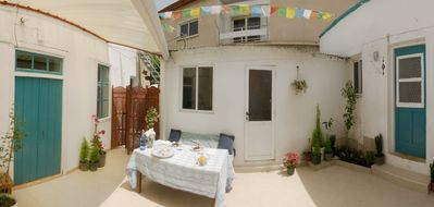 Private Guest Rooms - Shared Courtyard House in the Walled City