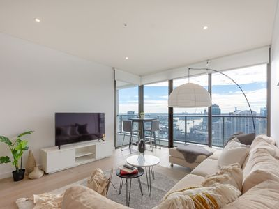 Photo for High Rise apt in Heart of Sydney wt Harbour View