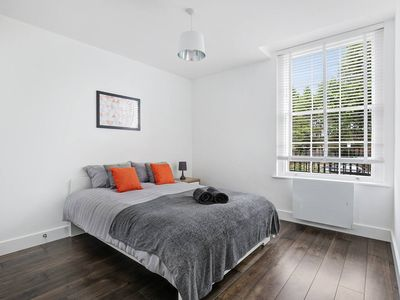Photo for No.8 Stunning Large 3 Bed Apartment - Free Parking