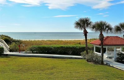 Photo for Land's End #204 building 9 - Lovely updates / Beachfront with PRIVATE balcony