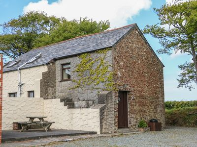 Photo for THE LOFT, country holiday cottage in Holsworthy, Ref 940752