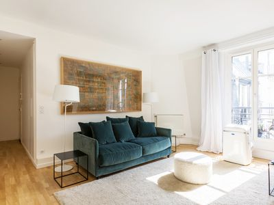 Photo for Stylish 1BR in the 16th, between Arc de Triomphe and Trocadero gardens, by Veeve