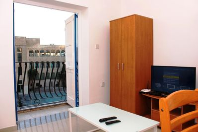 Fully Equipped Dining/Living With TV and Wifi.