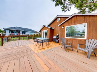 Photo for Centrally-located, dog-friendly home w/ a deck overlooking a beautiful waterway