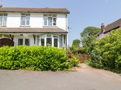 Photo for HILLTOP, family friendly, with a garden in Stoke Gabriel, Ref 991303