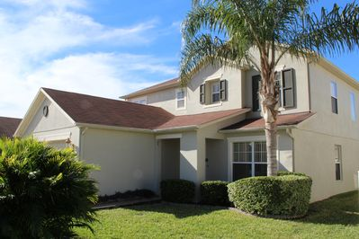 Fabulous, spacious home in popular community, about 12-15 minutes to Disney