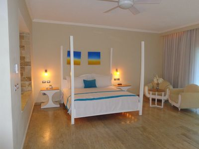 LHCV - Deluxe Beachside Suite- Chairmans- LOWEST ALL INCLUSIVE- VIP Gold Bands