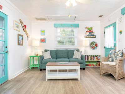 Delightful Renovated 1950's Pet Friendly Cottage and Only 3 Blocks to the Beach!