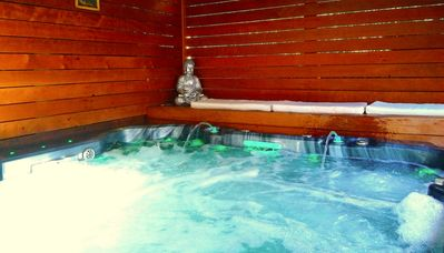 Photo for Best for Outdoor & BBQ, Game Room, *SPA & SAUNAS, walk to Ocean beach! Centre!