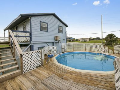 Photo for Surf N Swim: private pool, close to town, best value. FREE activities!