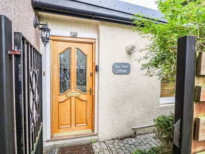 Photo for SEAVIEW, pet friendly, with a garden in Nairn, Ref 958671