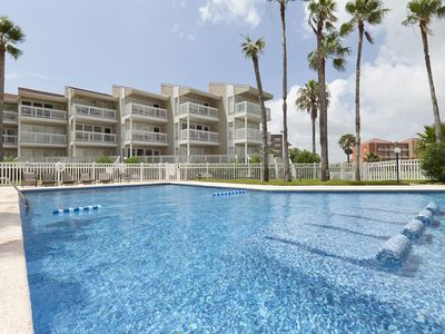 Gulfpoint A 1214 - Luxurious Resort, Private Balcony, Short Walk to Beach & Waterpark