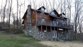 Photo for 6BR Lodge Vacation Rental in Lawrenceburg, Tennessee