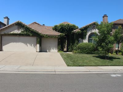 Photo for Beautiful spacious single story home 2800 sq ft 4brs, 3 baths