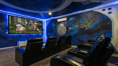 Large Pool/Spa/Free shuttle Disney/PS4/XBox 1/Star Wars Home Theatre/Free Wifi