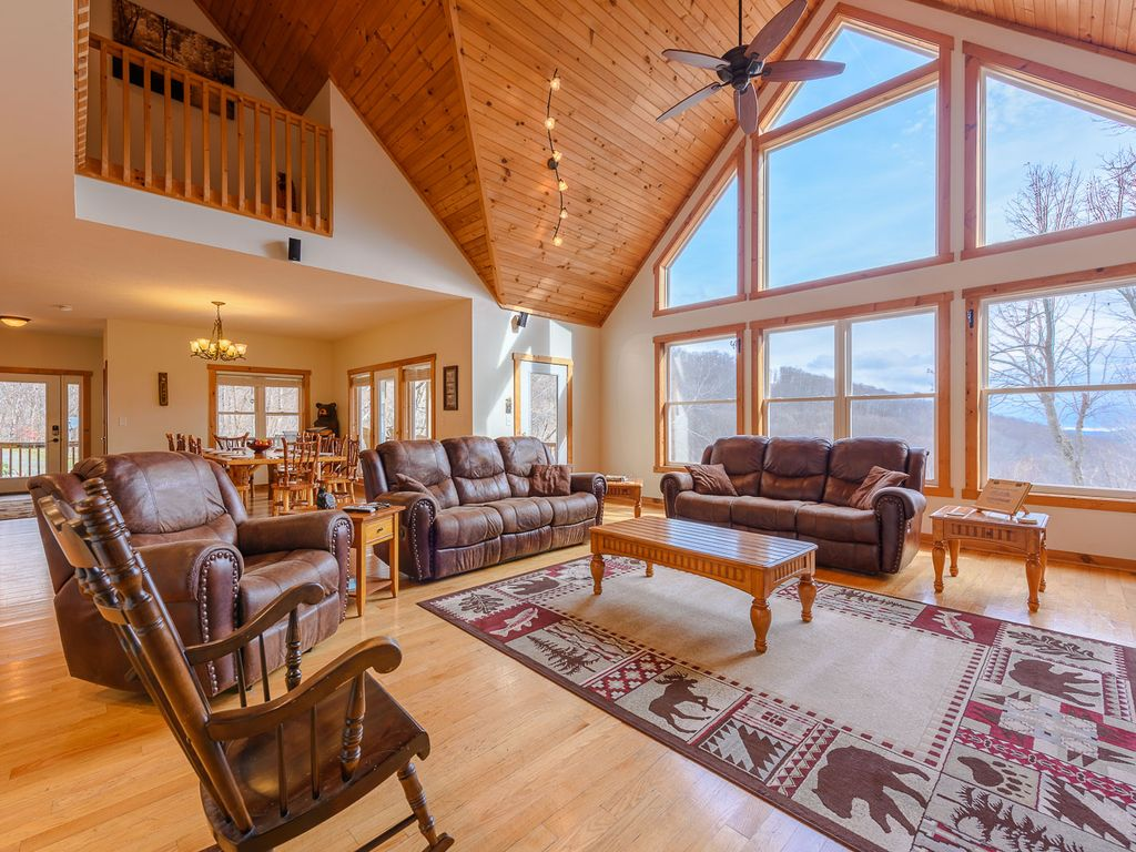 6br great for extended families hot tub homeaway for Boone cabin rentals nc