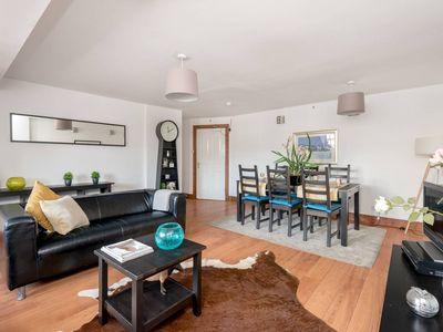 Photo for Stylish Frederick Street Flat Heart Of The Centre
