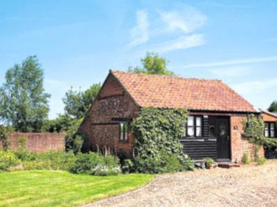Photo for 1 bedroom accommodation in Yaxham