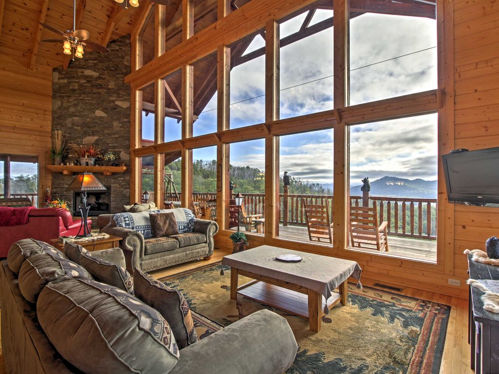 Heavenly vista at crown point cabin w spa views sevierville