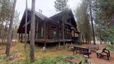 Photo for JAKE'S PLACE⭐️5BR 3BA SLEEPS 12⭐️FREE TRASH PICK UP WIFI SATELLITE TV HOT TUB