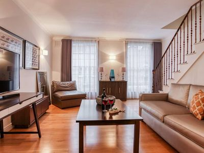Photo for Bright and Cosy 3BR Mews House
