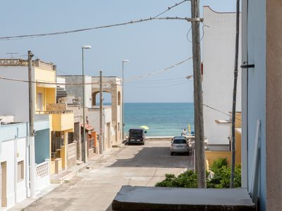 Photo for Two-room apartment 50 meters from the sandy beach, Torre Lapillo center