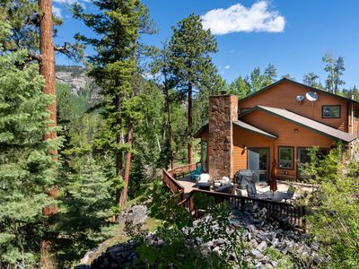 Photo for Custom Home with HOT TUB! Amazing Mountain Views, 3 miles to Skiing!