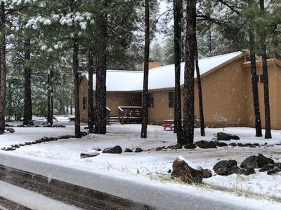 Photo for NEW VRBO, Gorgeous, Remodeled cabin In Pinetop Lakes Country Club!