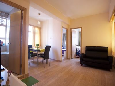 Photo for Cozy 2 Bdr 4-6 ppl 1 MIN to MTR