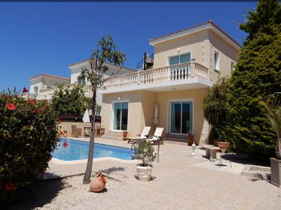 Photo for Gorgeous Villa in lovely quiet location only a short distance to amenities