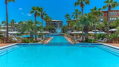 Make a Splash in the 12,000 Square Foot Lagoon Pool!