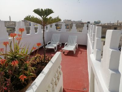 House with terrace, in the medina, 5 minutes from the beach, rented exclusively for wifi