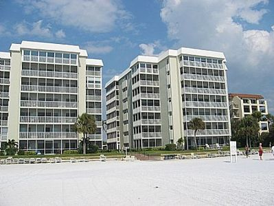Photo for Siesta Key Luxurious Beachfront Condo