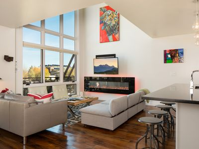 Photo for Unbeatable downtown location is perfect for all of your Jackson activities