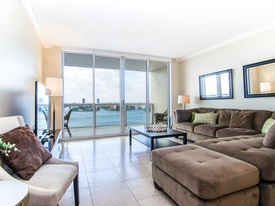 Photo for Cozy and spacious condo with amazing intracoastal views