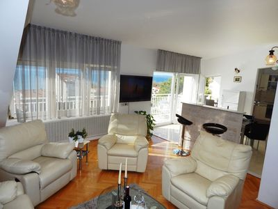 Photo for Rosemary apartment with three bedrooms and sea view