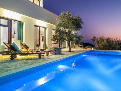 Photo for Makarska house for 8 people with 4 bedrooms - Holiday home