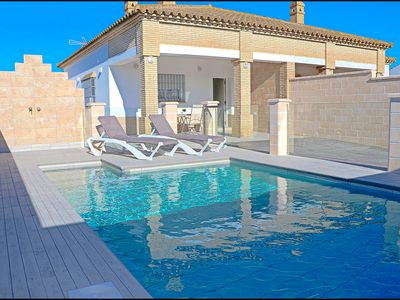 Photo for Holiday home with private pool and BBQ