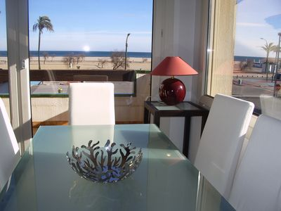 Photo for Apartment on the beach with 2 bedrooms, air conditioning + washing machine + garage + Oceanview