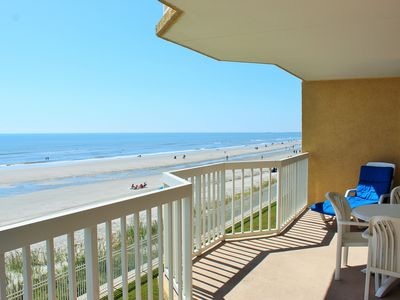 208 Ocean - Amazing Views, Ocean Front, Center of Everything, Clean and Comfortable