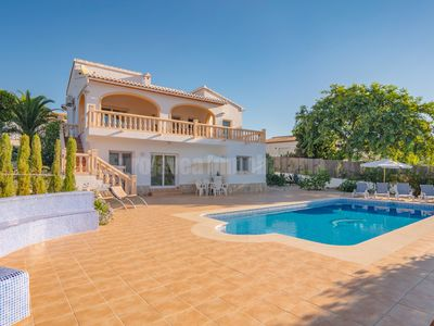 Photo for Renovated small holiday house, ideal for 3 adults and 2 kids, 10x5m private pool