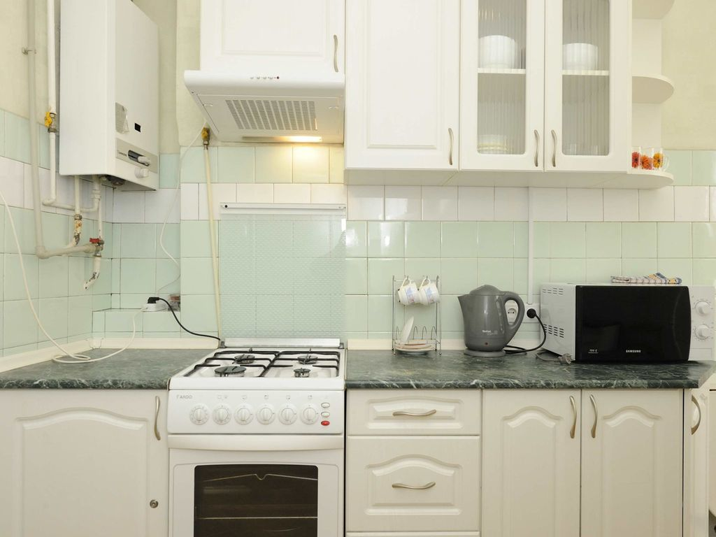 Two-room. 5a L'va Tolstogo St. Centre - One Bedroom Apartment, Sleeps 4