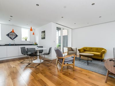 Photo for NEW Modern 2BD Flat in Shoreditch With Balcony