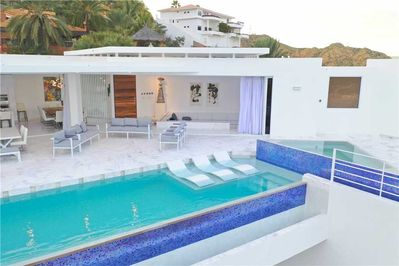 Your private swimming pool terrace