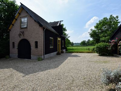 Photo for Authentically renovated carriage house in Deil.