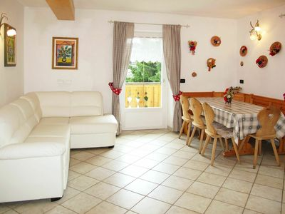 Photo for Beautiful apartment for 9 people with WIFI, TV, balcony, pets allowed and parking