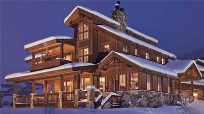 Photo for 5BR Luxury & Elegance + Hot Tub + Foosball + Shuttle - Chalet Beliza